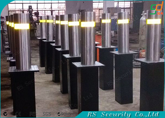 Full - automatic Retractable Hydraulic Bollards Remote Control Road Barriers